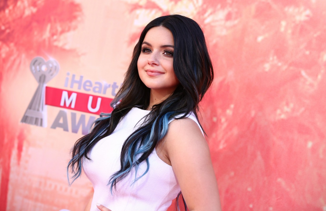 Ariel Winter thanks fans & family for support after divulging she underwent